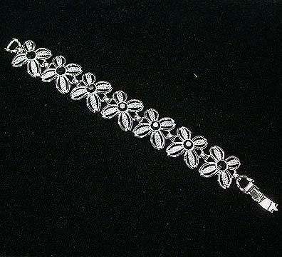 Sarah Coventry Black Beauty Bracelet