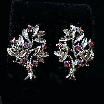 Dodds Silvertone and Pink Rhinestone Tree Clip Earrings