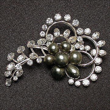 Kramer Brooch with Gray Pearls and Rhinestone Swirls