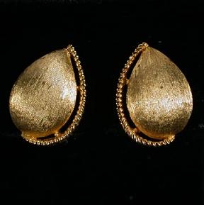 Vintage Trifari Goldtone Teardrop Earrings - Florentine Finish