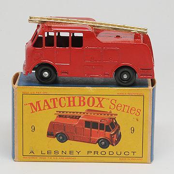 Matchbox 9c Merryweather Marquis Fire Engine MIB