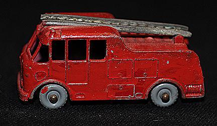 Matchbox #9 Merryweather Fire Engine GPW